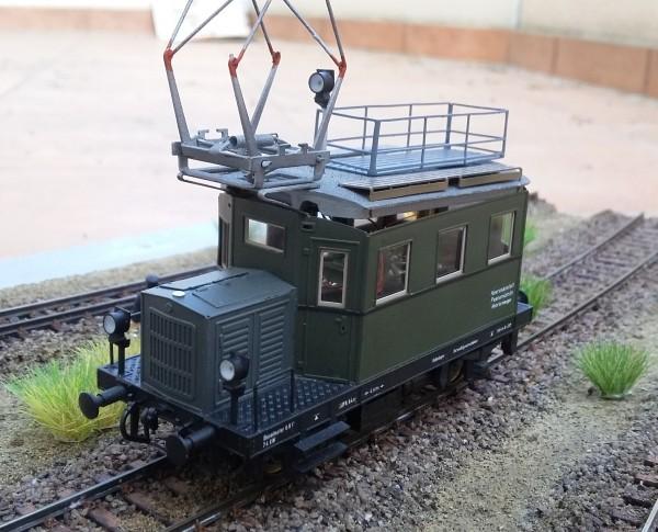 """Oberleitungsrevsionstriebwagen der """"Werkbahn Peenemünde"""" in H0"""